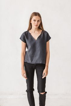 Top ropa básica blusa de lino top gris grafito mínima