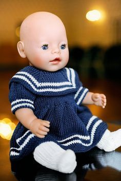Baby Born Doll in knitted dress Knitted Doll Patterns, Doll Dress Patterns, Knitted Dolls, Baby Knitting Patterns, Baby Patterns, Baby Born Clothes, Girl Doll Clothes, Girl Dolls, Baby Dolls