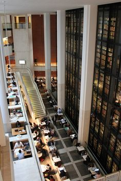 The Kings Library Tower, British Library - London. Where the unwashed masses sit and chat without reader's passes.  :D