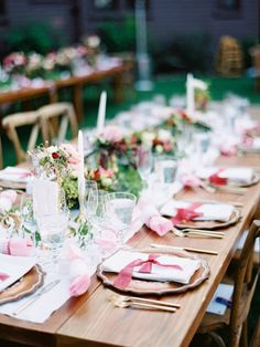 Rustic + colorful floral topped tabelscape: http://www.stylemepretty.com/2016/03/16/whimsical-summer-wedding-at-lake-tahoe-2/ | Photography: Ryan Ray Photo - http://ryanrayphoto.com/