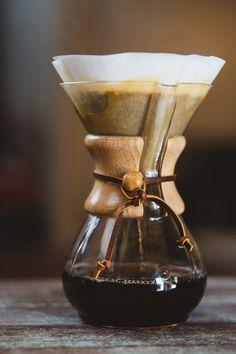 Kaffeekulturen: So verschieden trinkt Europa morgens seinen #Kaffee Coffee Maker, Kitchen Appliances, Europe, Drinking, Round Round, World, Coffee Maker Machine, Diy Kitchen Appliances, Coffee Percolator