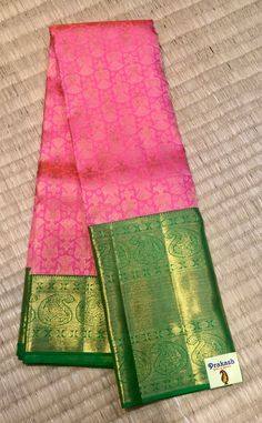 Traditional saree with new contrast from prakashsilks Prakash Silks Kanchipuram, Silk Saree Kanchipuram, Kanjivaram Sarees, Wedding Silk Saree, Bridal Sari, Saree Color Combinations, Traditional Silk Saree, Sari Design, Party Sarees