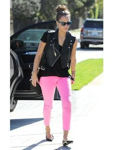 Jessica Alba also <3s Pink Pants.