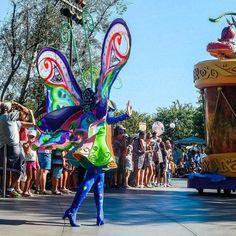 It's The Same As Having Wings#peterpan #peter #pan #butterfly #paradeperformer #performer #dancer #parade #disney #soundsational #soundsationalparade #disneyland #disneyland60 #dlr #disneylandresort #disneylandcalifornia #anaheim #california #intasdisney #disneygram by abrokensmolder