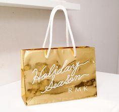 holiday season / rmk Shopping Bag Design, Paper Shopping Bag, Bag Packaging, Print Packaging, Paper Carrier Bags, Paper Bags, Paper Bag Design, Cotton Cord, Fashion Branding