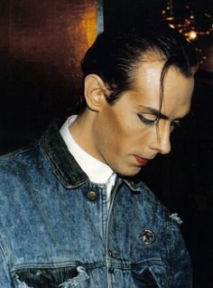 #PeterMurphy I don't think that is makeup y'all.