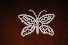 Farfalle -- - Il fantastico mondo del tombolo: pizzi, trine, merletti e disegni a tombolo