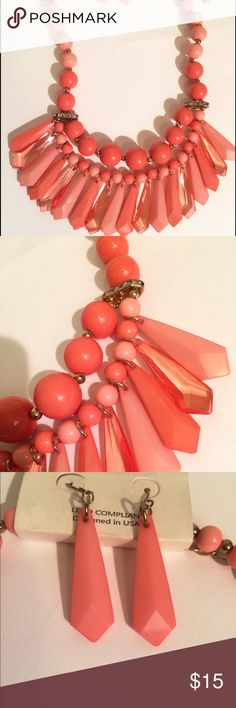 Statement necklace set Beautiful beaded Statement necklace with matching hanging earrings colors are pink and Peach beautifully made and color coordinated Jewelry Necklaces