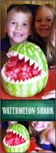 Watermelon Shark ala Fruit Carving Arrangements and Food Garnishes. Make food fun! THIS IS SOOOOOO EASY and fun to do. Great project to do with the kids, just a small amount of cutting and lots of melon balling that they can do! Watermelon Fruit, Watermelon Carving, Cute Food, Good Food, Potluck Dishes, Potluck Recipes, Healthy Recipes, Fruit Creations, Fruit And Vegetable Carving