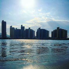 【kaorun_91】さんのInstagramをピンしています。 《2016.1.4 入江の向こう✨✨🏙✨ * * 今日は初仕事です😉 * ここから職場までは 🚙10分かからないんです✌️ * * さぁ✨ * お仕事の方も お家の方も お出かけ中の方も… * あと少し頑張りましょうね✨✨ * * * #空 #イマソラ #カコソラ#海 #波 #光 #sora #imasora #sky #clouds #sea #oceans #shine #sky #skylovers #blue #beautiful #japan #insta_pick_skyartz #whim_fluffy #cools_japan #daily_photos #vzco_of_our_world #lovers_amazing_group #空が好きな人と繋がりたい #写真好きな人と繋がりたい #誰かに見せたい空 #誰かに見せたい風景 #ファインダー越しの私の世界 #いつもの入江です💙》
