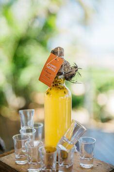 Top 20 Aktivitäten und Sehenswürdigkeiten auf Mauritius - Chic Choolee Spa Hotel, Restaurant, Hot Sauce Bottles, Wine, Drinks, Mauritius Holidays, Diving School, Travel Inspiration, Tips And Tricks
