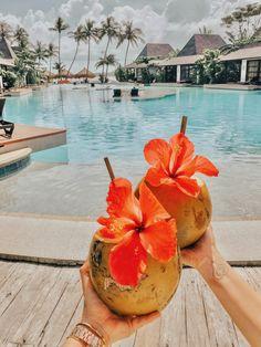 Siargao Bleu Resort Spa - Siargao Philippines The New Girl Beach Aesthetic, Summer Aesthetic, Aesthetic Food, Deco Surf, Moving To Hawaii, Hawaii Life, Oahu Hawaii, Hawaii Honeymoon, Hawaii Vacation