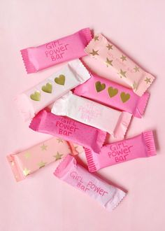 Who says healthy homemade snacks can't be exciting? Power Bars, Energy Bars, Wrapping Gift, Baby Pink Aesthetic, Decor Crafts, Diy Crafts, Healthy Homemade Snacks, Soft Wallpaper, Pink Walls