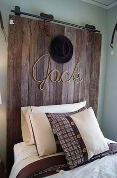 This would be so fun to do. Though I wouldn't put the hat on the head board bad luck