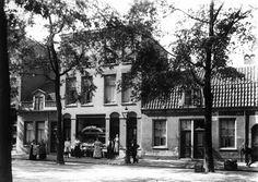 Gezicht op de voorgevels van de huizen Amsterdamsestraatweg 86 (links)-88 en 92-94 te Utrecht.1915-1925