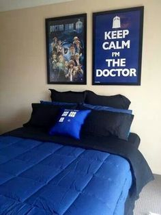 Doctor Who bedroom. @Kelly Teske Goldsworthy Teske Goldsworthy Teske Goldsworthy Teske Goldsworthy Teske Goldsworthy McManamon This should be the design for your next college bedroom!