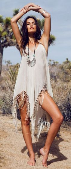 Boho beautiful flowy fabric and that gorgeous fringe make it the perfect look for beach wandering☮️