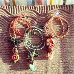 ... e i primi tre cordoncini #macrame per i miei #ciondoli #fantasy li ho terminati !! Anche #invacanza un pizzico di lavoro me lo porto sempre! Per ora sono disponibili se mi contattate con messaggio privato se non li vendo prima li troverete a settembre sul mio sito  #archidee #fantasystones #becreative #bepositive #trees #tree #polymerclay #fimo #goddes #eye #evileye #shivashell #resin #crystal #handmade #supporthandmade #garden #zen #zengarden #whimsical #jewelry #instajewelry