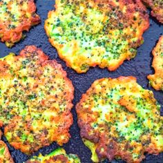 Basic broccoli fritters These light, golden-brown Broccoli Fritters make a delicious vegetarian dinner or lunch — and kids love them, too! Try this tasty broccoli recipe today! Vegetarian Recipes, Cooking Recipes, Healthy Recipes, Vegetarian Lunch, Vegan Meals, Healthy Movie Snacks, Vegetarian Sandwiches, Vegetarian Barbecue, Going Vegetarian