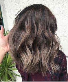 Babylights ashy brown hair styles en 2019 balayage hair, dyed hair y ha Hair Color Balayage, Ombre Hair, Balayage Highlights, Color Highlights, Blonde Balayage, Bayalage, Haircolor, Ashy Brown Hair Balayage, Caramel Highlights