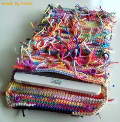 Crochet ereader case with kam snaps