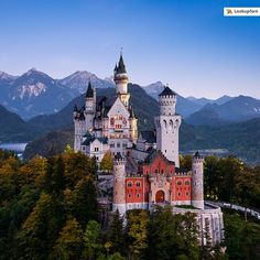 Reposting @lookupfare: From medieval riverside towns, to those dating back two millennia, to former imperial jewels, to settlements set against an imposing backdrop of the snow-capped Alps, Bavaria, Germany is a traveler's paradise.