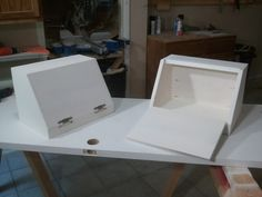 I made these same bread boxes last Christmas as gifts for family. I was recently asked to make another bread box and figured I would make two this time as well. It is one of those easy projects tha… Diy Furniture Plans, Small Furniture, Furniture Sale, Wood Furniture, Cheap Furniture, Luxury Furniture, Wooden Bread Box, Bread Boxes, Wooden Boxes