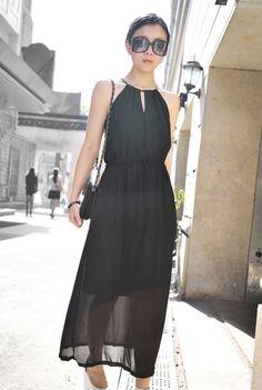 v-backless chiffon dress