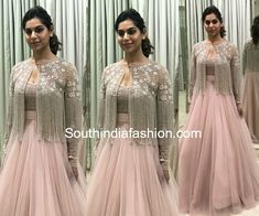 62 Ideas fashion dresses indian gowns for 2019 Indian Wedding Gowns, Indian Gowns Dresses, Indian Fashion Dresses, Indian Designer Outfits, India Fashion, Fashion Art, Woman Dresses, Japan Fashion, Dresses Dresses