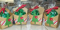 Cute Christmas Treats – Stampin' Up! Fry Box www.crazystamping… Maureen Rauchf… Cute Christmas Treats – Stampin 'Up! Fry Box www. Christmas Party Favors, Christmas Bags, Christmas Paper, Christmas Candy, Christmas Treats, Simple Christmas, Christmas Holidays, Christmas Decorations, Christmas Ornaments