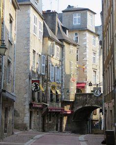 Rue du Moulin, vieille ville, Pau, Béarn, Pyrénées Atlantiques, Aquitaine, France. | Flickr - Photo Sharing!