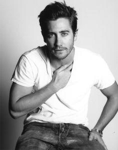 Jake Gyllenhaal...he's so pretty!