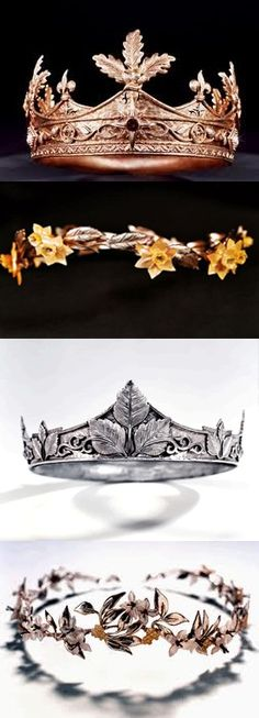 I've always kind of wondered what happened to these crowns after the Pevensies went back through the wardrobe. Did they appear back in Cair Paravel? Did they just vanish? Did they get transported to Aslan's Country? I don't know. :)
