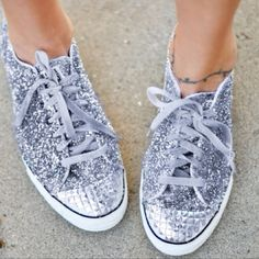 Sparkly converse <3