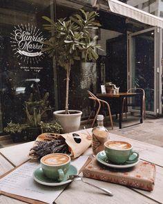 coffee aesthetic like-fairy-tales: By: lookingfora - coffee Coffee And Books, I Love Coffee, Coffee Break, Coffee Shop Aesthetic, Aesthetic Food, Character Aesthetic, Coffee Drinks, Coffee Cups, Coffee Dripper