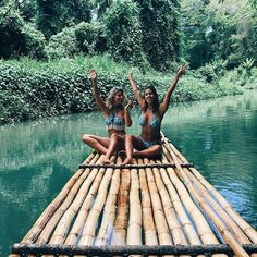 rollin down the river ✌️ @tashoakley @devinbrugman @abikiniaday #revolvearoundtheworld #REVOLVE5x5