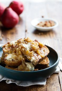 Whole Wheat French Toast with Pear Chutney and Mascarpone - This cozy homemade fall breakfast is naturally sweet and SO GOOD.