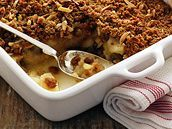 Jablkový crumble. Macaroni And Cheese, Ethnic Recipes, Food, Mac And Cheese, Essen, Meals, Yemek, Eten