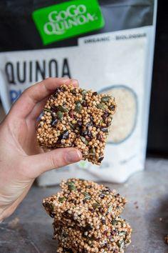 Chocolate Quinoa Crispy Treats Alternative to granola bars Chocolate Rice Crispy Treats, Rice Krispy Treats Recipe, Chocolate Recipes, Quinoa Soufflé, Quinoa Granola Bars, Quinoa Recipe, Puffed Quinoa, Vegan Snacks, Healthy Treats