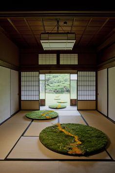 ギャラリー | 花匠 佐々木直喜 Organic Structure, Zen Space, New Business Ideas, Japanese Interior, Natural Shapes, Planter Boxes, Ikebana, Event Decor, Installation Art