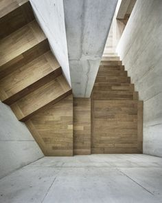 Gallery of Neubau Mehrfamilienhaus Cham / idA – 10 – Interior Design Addict Interior Stairs, Home Interior Design, Interior And Exterior, Foyer Staircase, Staircase Design, Spiral Staircases, Staircase Ideas, Architecture Details, Interior Architecture