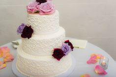 Wedding Cake. Roses. Alden Castle Wedding. A LONGWOOD Venue.   Michele Conde Photography // http://micheleconde.com/