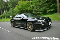 700 HP Nissan Skyline sends shivers down my spine Nissan Skyline Gtr R32, Nissan R34, R34 Gtr, Nissan Gtr Skyline, My Dream Car, Dream Cars, Buy And Sell Cars, Nissan Infiniti, Japan Cars