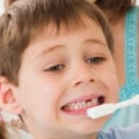 One reason for the importance of maintaining healthy teeth in them is that the tooth has a very heavy workload every day. Although the work of chewing food seem trivial, but for the teeth is an activity that could degrade the quality of gear. That is why, when a person's age increases, the strength decreased even more teeth. As it is difficult to use to chew certain foods.