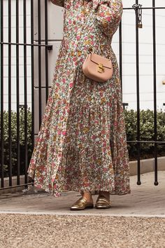 Floral Dress for Spring - worn with Chloé Drew bag in cement pink, Chloé glasses and golden flat mules - by Stella Asteria - Fashion & Style Blogger