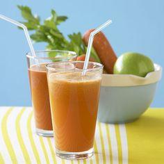 """Icentrifugatisono delle bevande naturali molto utili perdepurare l'organismo. Considerarli come parte di una dieta dimagrante non è sufficiente. Infatti i centrifugati, osucchi """"ver…"""