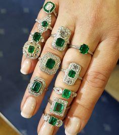 Emerald ring stacking! #emerald #emeraldring #colombianemerald #colombian #vintagejewellery #weldonjewellers #weldons www.weldons.ie #diamond #dublinjewellers #ring #ringsofinstagram #jewelry #jewellery #instajewellery #shesaidyes #blingbling #diamondsareagirlsbestfriend #antiquejewellery #vintagejewellery #diamondring #antiques #vintage #1920 via: #probeatzpromo