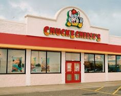 Whether you're planning a birthday party or craving pizza and fun activities for kids, visit Chuck E. Cheese's in Monroeville, PA at 3800 William Penn Highway. Supermarket Coupons, Retail Coupons, Online Supermarket, Online Coupons, Print Coupons, Printable Coupons, Printables, Fast Food Advertising, Showbiz Pizza