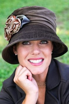 Shop our comfortable headwear for cancer patients or any individual with hair loss. Discover stylish hats, turbans, scarves, head wraps and much more here. Fancy Hats, Cute Hats, Hats For Cancer Patients, Ideas Joyería, Flapper Hat, Stylish Hats, Belle Photo, Hats For Women, Winter Hats