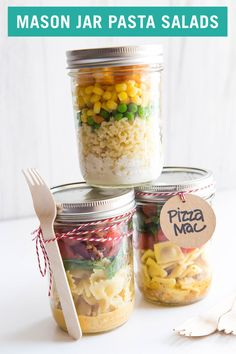 Send your kids back to school with easy-to-make, customizable mason jar pasta salads! They'll never come home complaining about lunchtime again. # Food and Drink lunch mason jars Mason Jar Lunch, Mason Jar Meals, Meals In A Jar, Mason Jars, Mason Jar Recipes, Lunch Snacks, Healthy Snacks, Healthy Recipes, Work Lunches